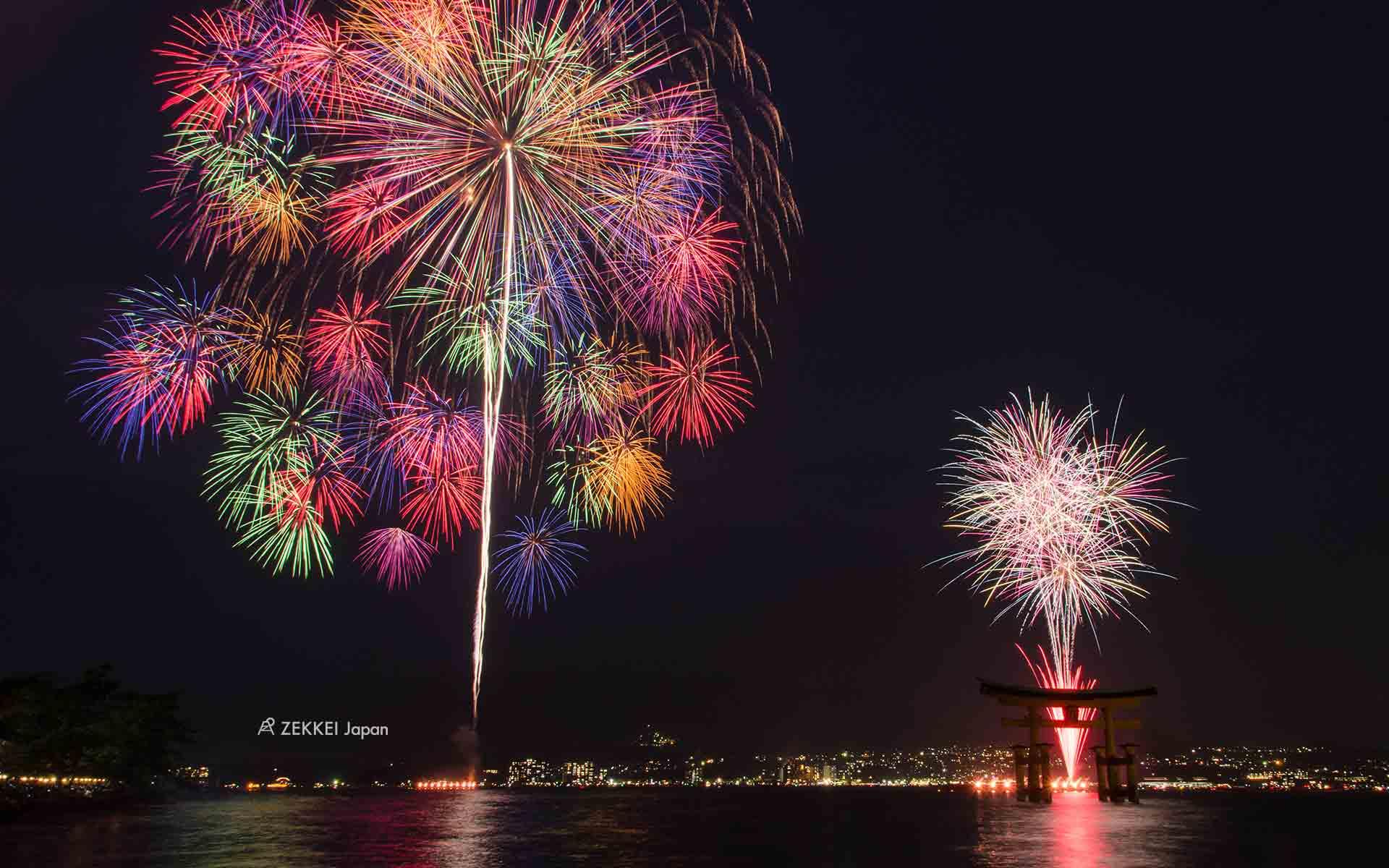 あなたのパソコン スマホに絶景を 夏を彩る花火のzekkei壁紙を