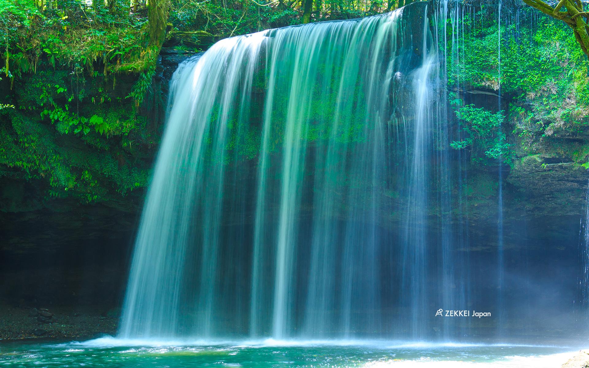 絶景壁紙 マイナスイオンたっぷり 滝の絶景をあなたの待ち受けに Zekkei Japan