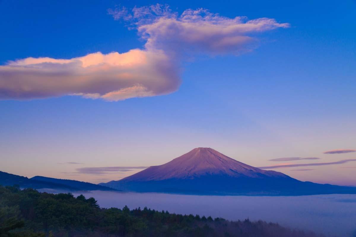 雲 富士山 湖