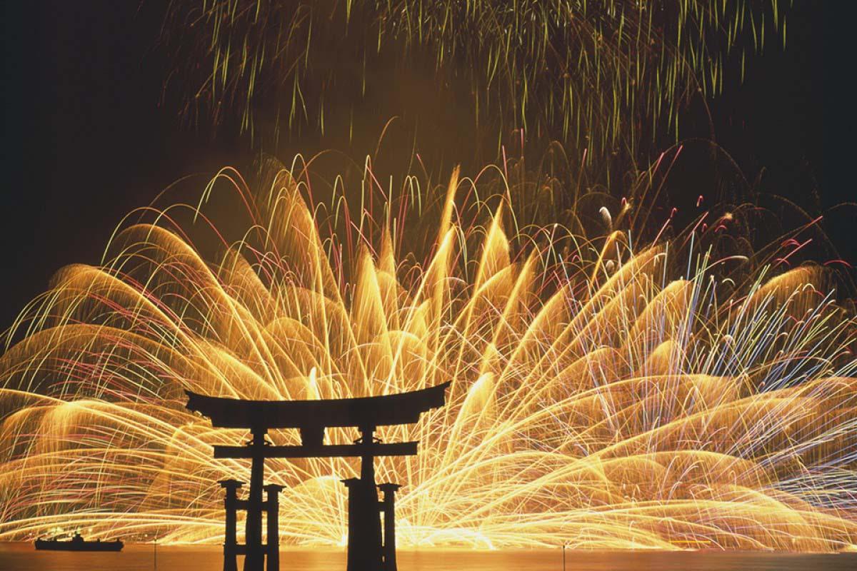 Fireworks Festival Shrine Hiroshima Miyajima